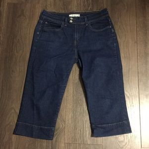 Levi's 515 Dark Wash Capri Pants